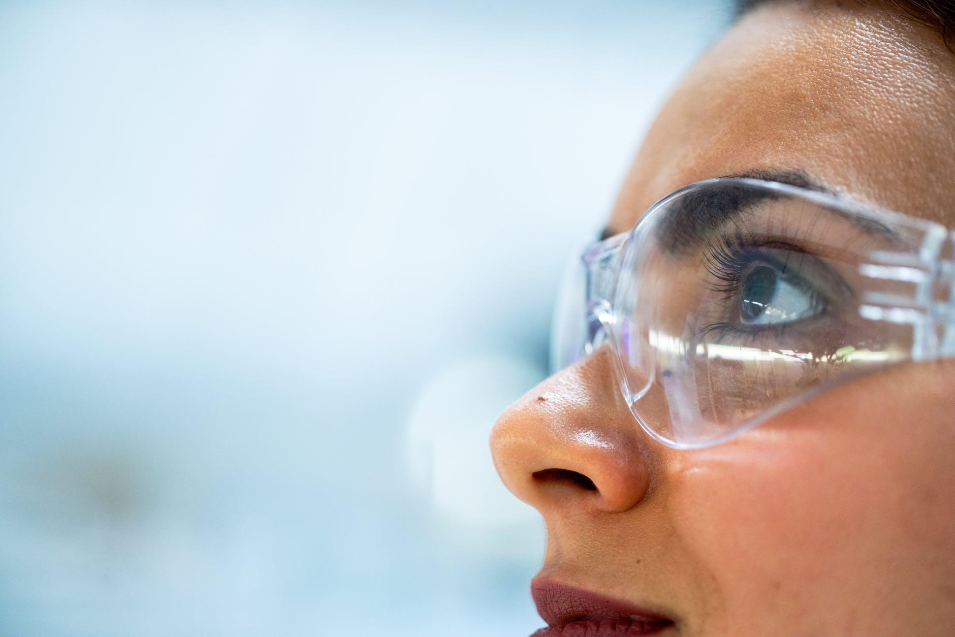 woman wearing plastic framed eyeglasses